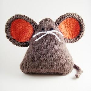Une souris tricotée ?