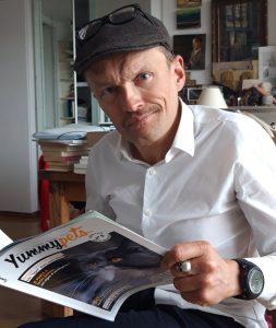 Sylvain Tesson chez lui, à Paris.