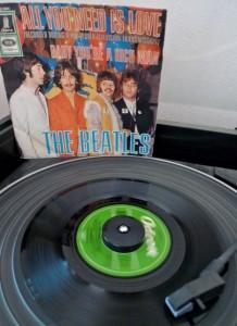 Un vieux 45 tours des Beatles
